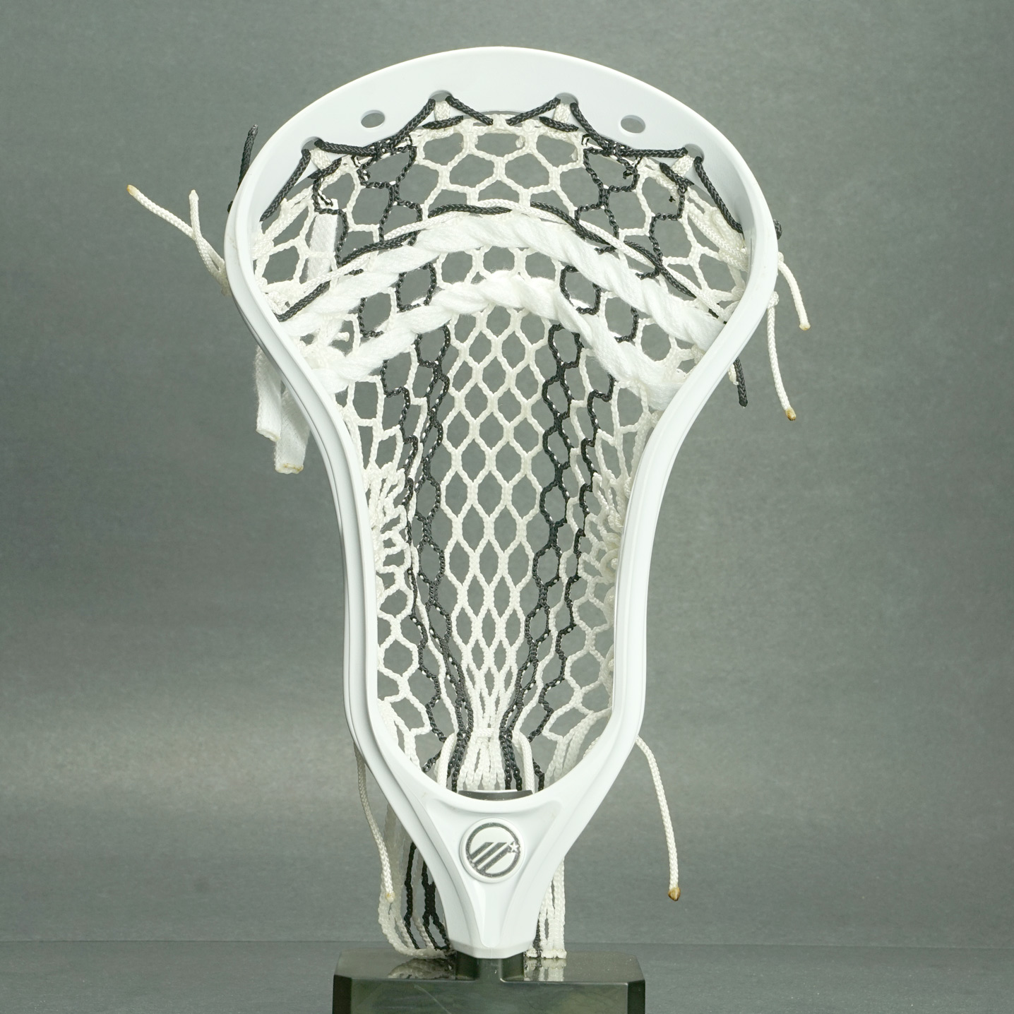 Maverik Optik Lacrosse Head White + Prestrung WIth Sniper Pocket